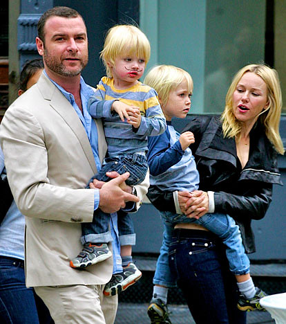Naomi Watts and Liev Schreiber (with sons Samuel and Alexander) took a ...