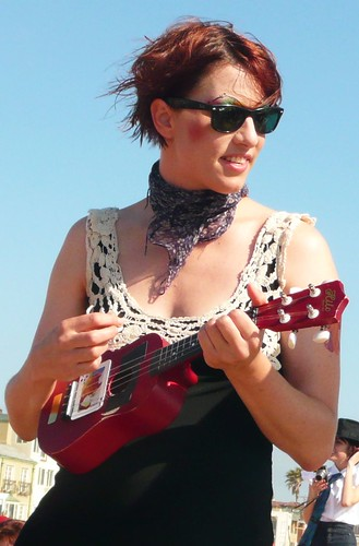 Amanda Palmer Smiling with Ukelele Hermosa Beach | by GooseHonk
