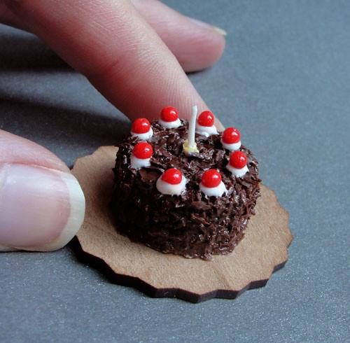 World S Smallest Birthday Cake