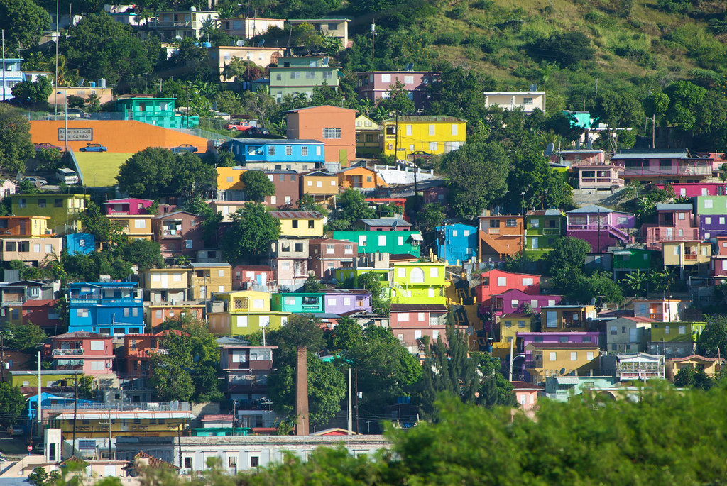 Barrio La Perla en Puerto Rico - YouTube