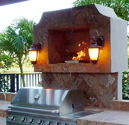 Outdoor Kitchen Florida: Built-in Above Grill Fireplace