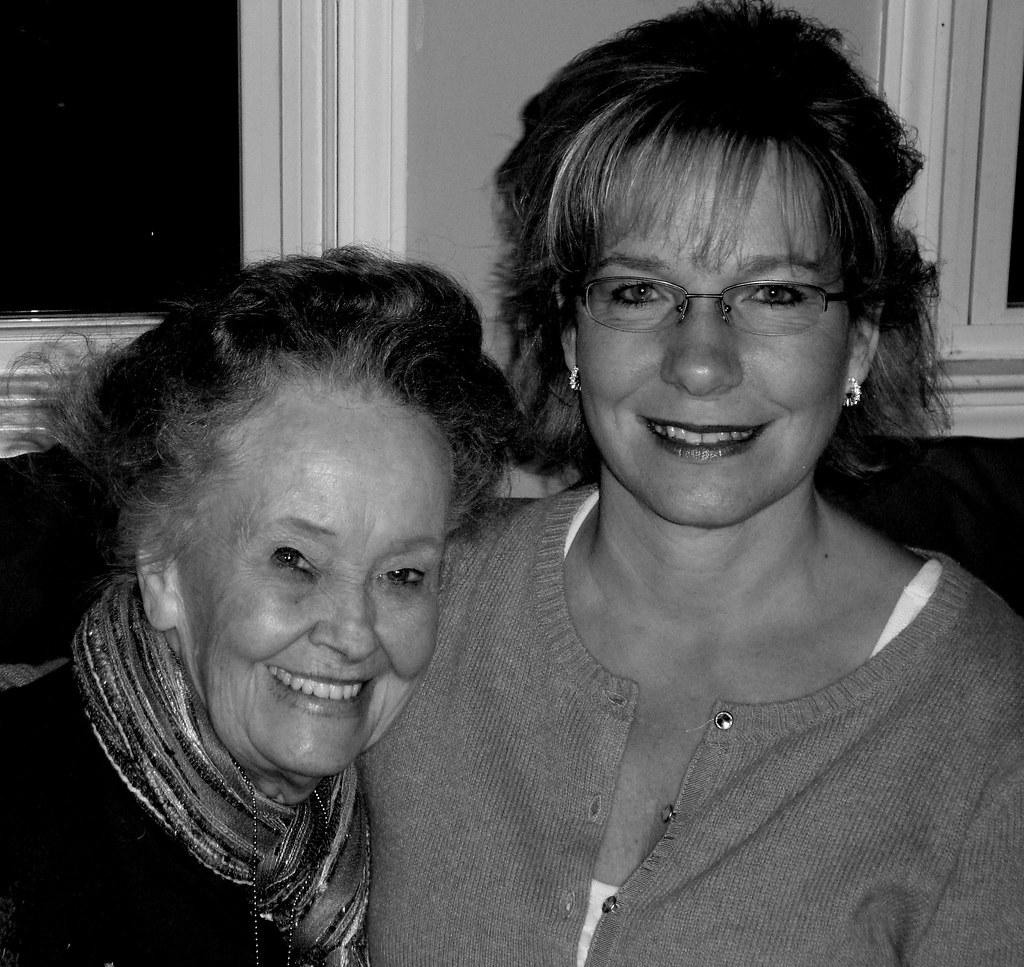 Lorraine Warren and Mrs. Fankie Haunted family gathering 2 ...