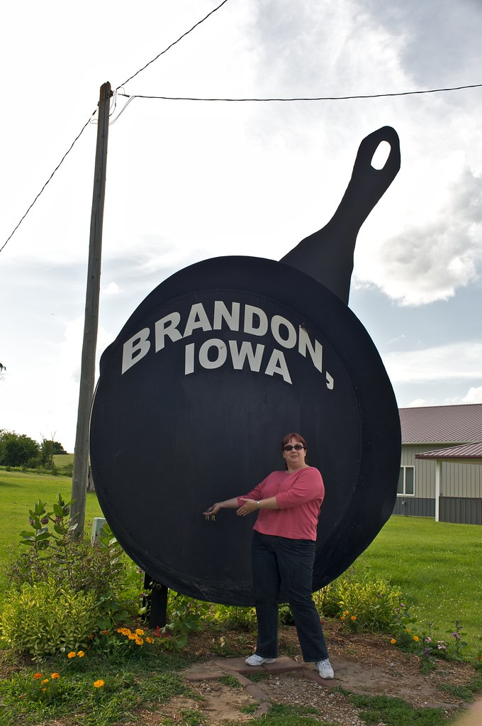 Brandon Ia The Largest Frying Pan In Iowa Jeff Ward