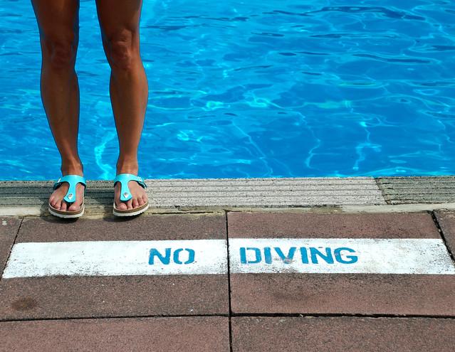No Diving full