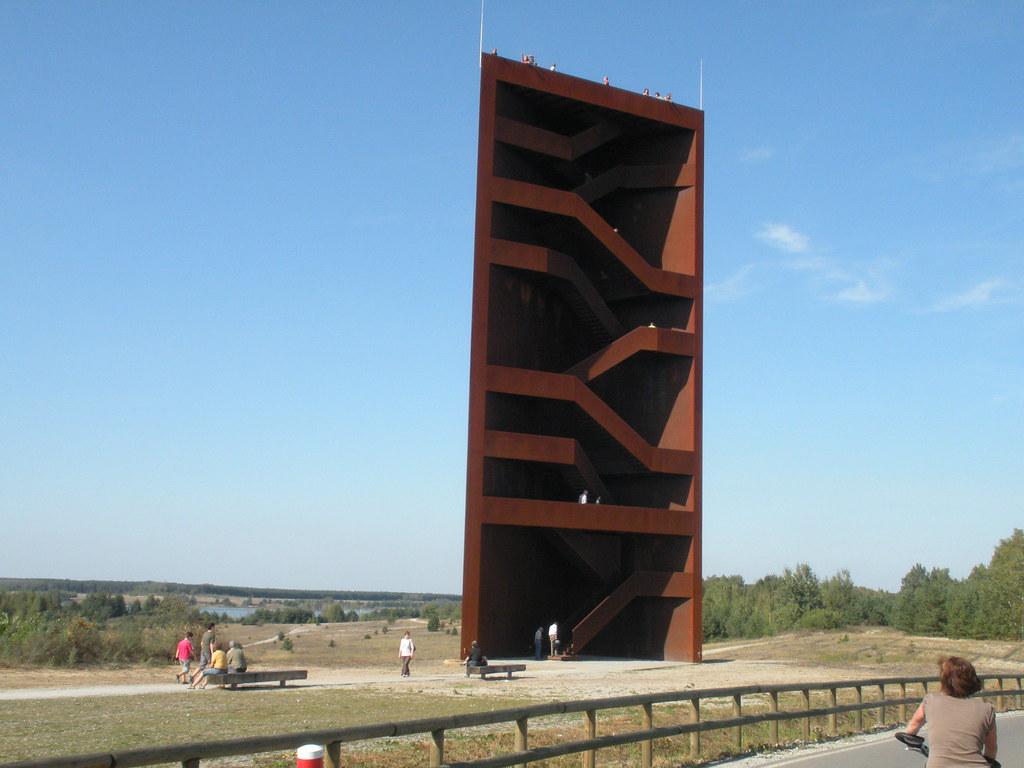 Der Rostige Nagel Ein Aussichtsturm Am Sedlitzer See Mit Bu2026 | Flickr