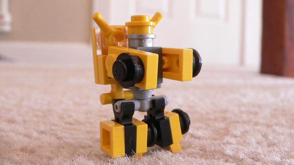 Как сделать из лего робота трансформера видео