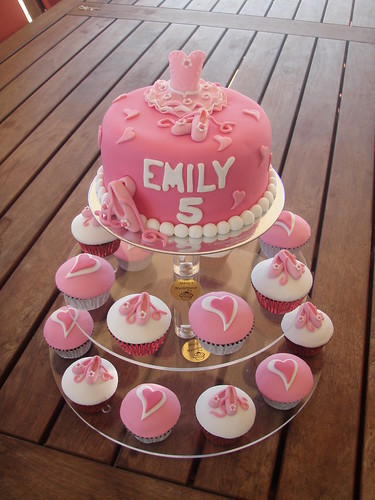 Mossy S Masterpiece Emily S Ballet Ballerina Cake Amp Cupc