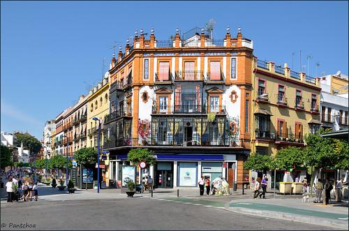 Sevilla triana la plaza del altozano la plaza del for La fabrica del mueble sevilla