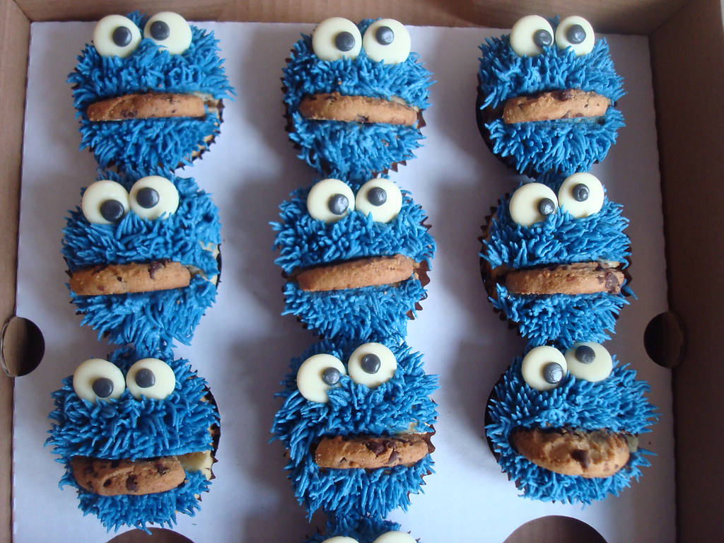 Cookie Monster Cupcake Cake Images