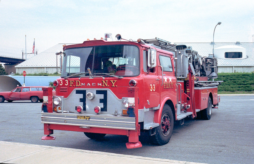 f d n y tower ladder 33 fire department city of new yor flickr