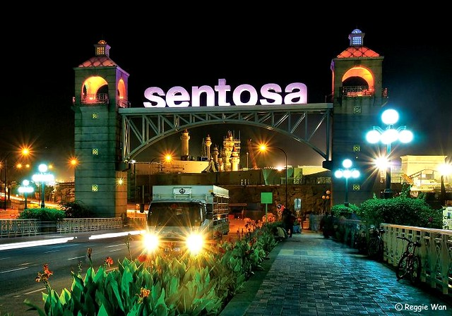 Gateway to Sentosa Resort Island, Singapore. | A night ...