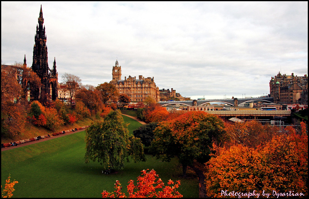 Edinburgh In Autumn Colours Edinburgh S Princes Street