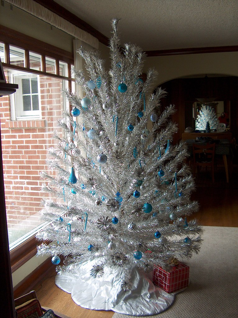 peco aluminum christmas tree