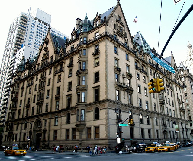 The dakota apartment building 72nd street and central for Central park apartment new york