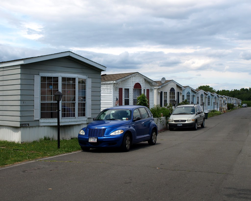 Goethals garden homes community port ivory staten island flickr - The mobile house on the unstable island ...