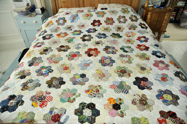 Grandmother 39 s flower garden quilt 2 the quilt on our bed - Grandmother s flower garden quilt ...