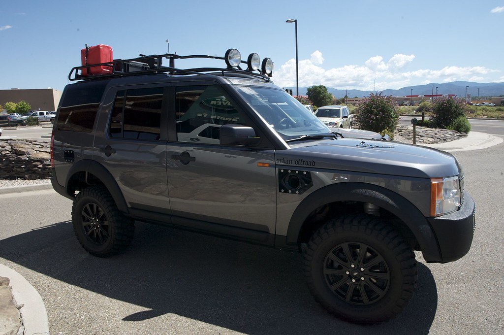 The Guys From Urban Offroad Stopped By Land Rover Santa Fe
