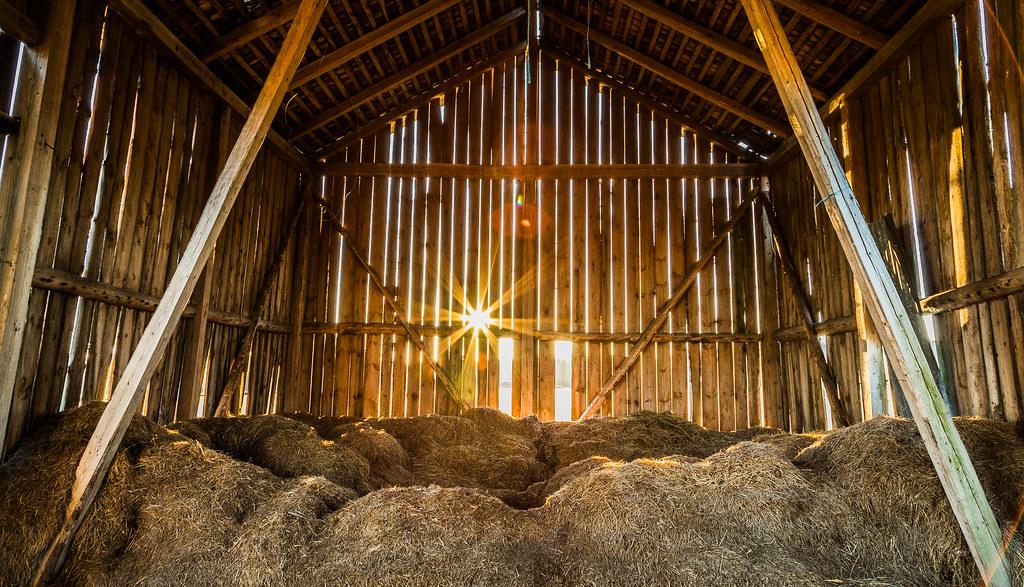 Abandoned Barn with old haystacks | Canon EOS 5D Mark III ...