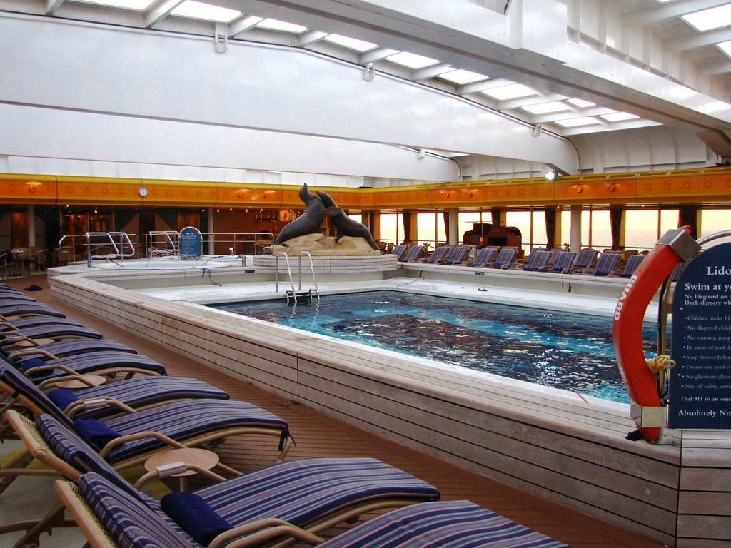 Lido pool ms rotterdam holland america lines snuffy for 4 holland terrace needham ma