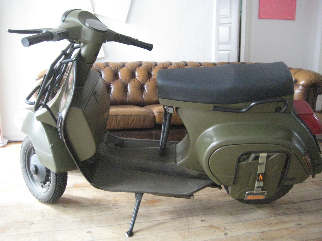 zone 203 thats my vespa pk 50 xl i build a 5 liter. Black Bedroom Furniture Sets. Home Design Ideas