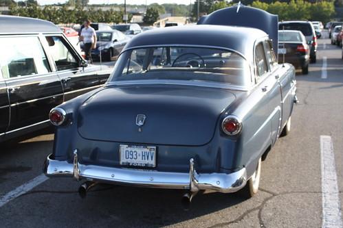 1952 ford customline v 8 4 door canadian richard for 1952 ford customline 2 door