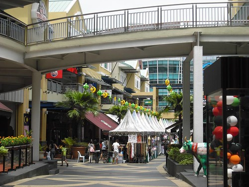 Shopping malls and malaysian lifestyle