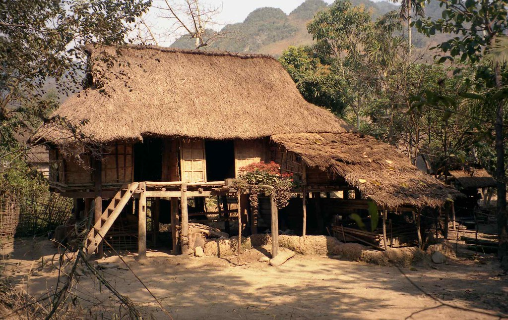 House With Bamboo Walls And Thatched Roof Mai Chau Vietn