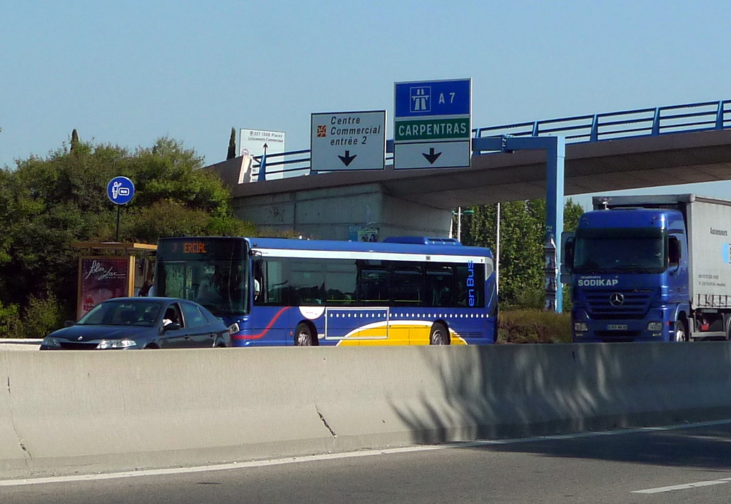 Arr t de bus le pontet zone commerciale avignon fr84 for Carrelage avignon le pontet