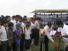 A Teacher is giving suiggestions for good Launching of WaterRocket