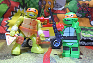 "LEGO TEENAGE MUTANT NINJA TURTLES :: ""Mikey's Mini-Shellraiser"" xii / ..with MEGA BLOKS TMNT blindbag Mike '16 (( 2014 ))"