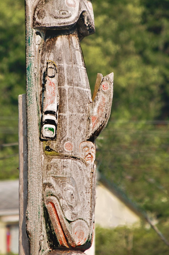 Detail Funerary Totem Pole Alert Bay Bc Ok After A