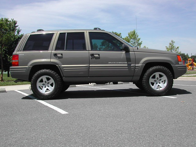 White Jeep Cherokee >> 1998 ZJ with TJ RUBICON RIMS. | 1998 Grand Cherokee with ...