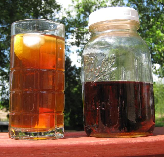 Sun Tea Brewed In Mason Jar I Love Brewing Up Sun Tea