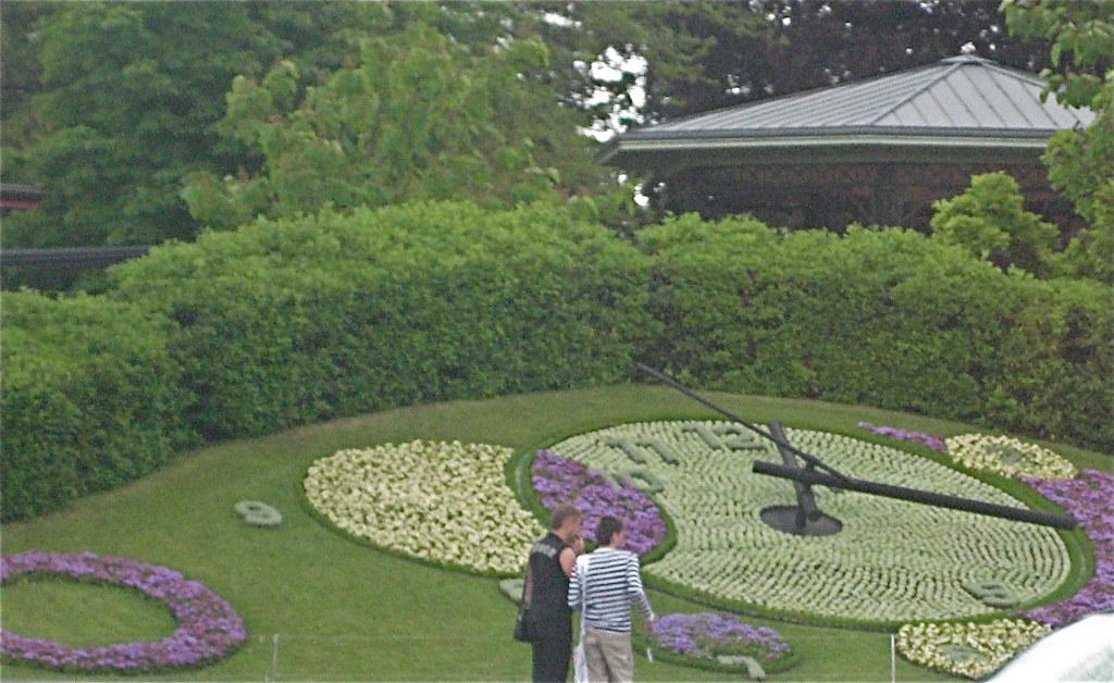 Horloge fleurie jardin anglais gen ve canton de gen ve for Jardin anglais geneve suisse