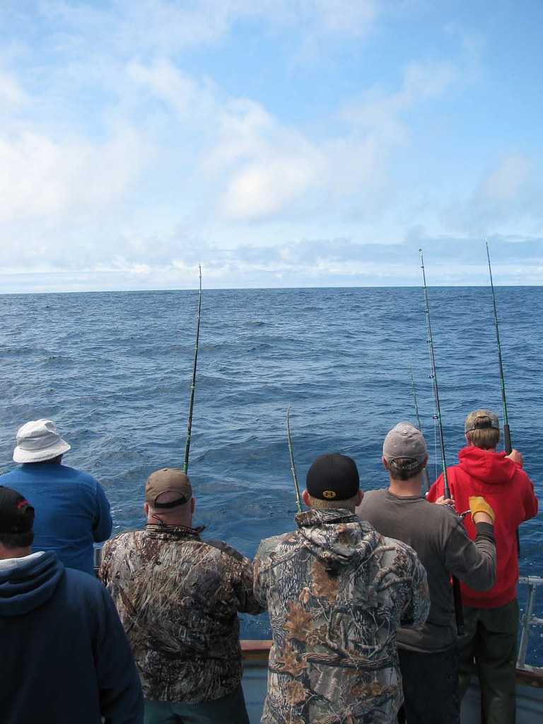 Tuna fishing in bandon oregon with prowler charters flickr for Oregon free fishing