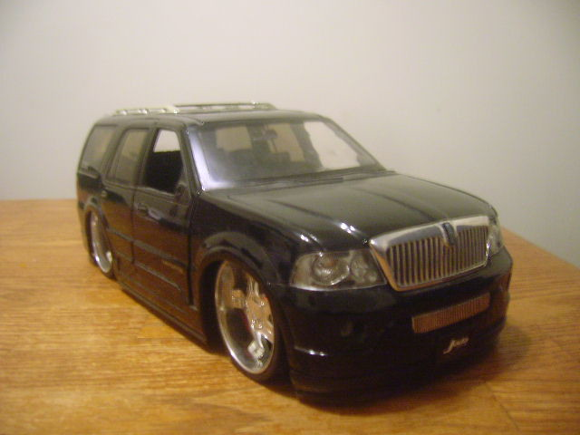 Jada Toys DUB City \'03 Lincoln Navigator | Largest of all th… | Flickr
