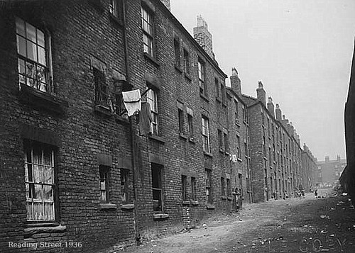 "old liverpool housing | Reading St ""backies"" (back… 