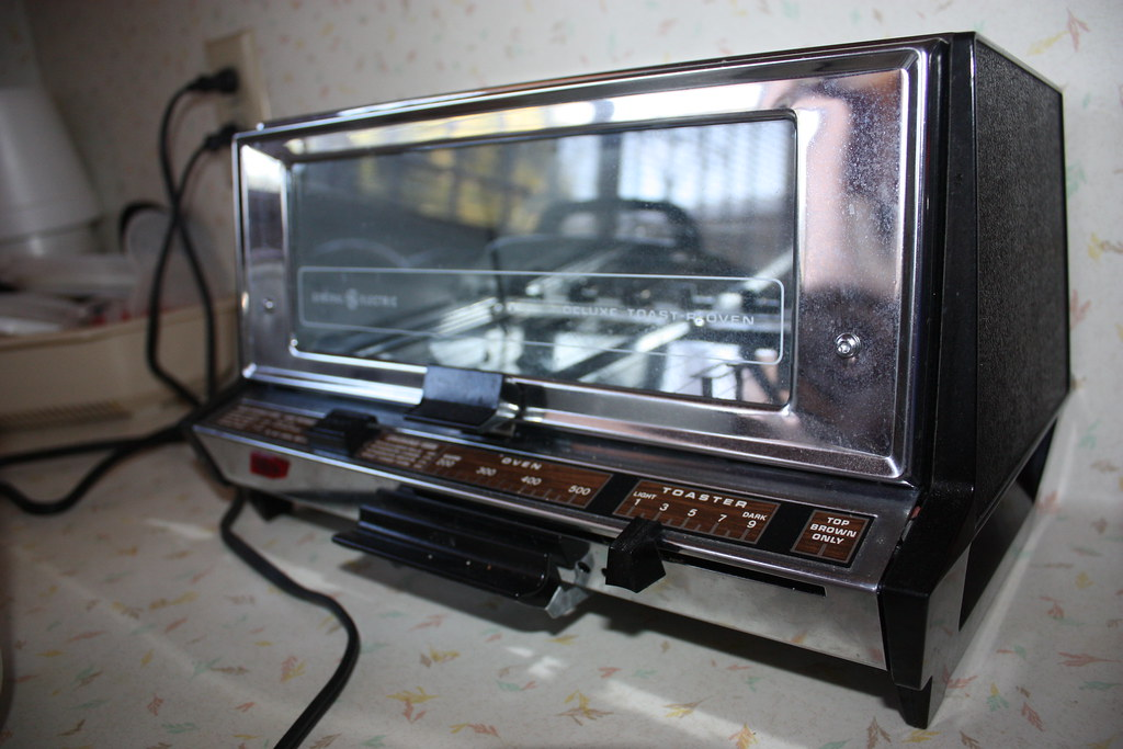 General Electric Toaster Oven ~ General electric deluxe toaster oven jessica flickr