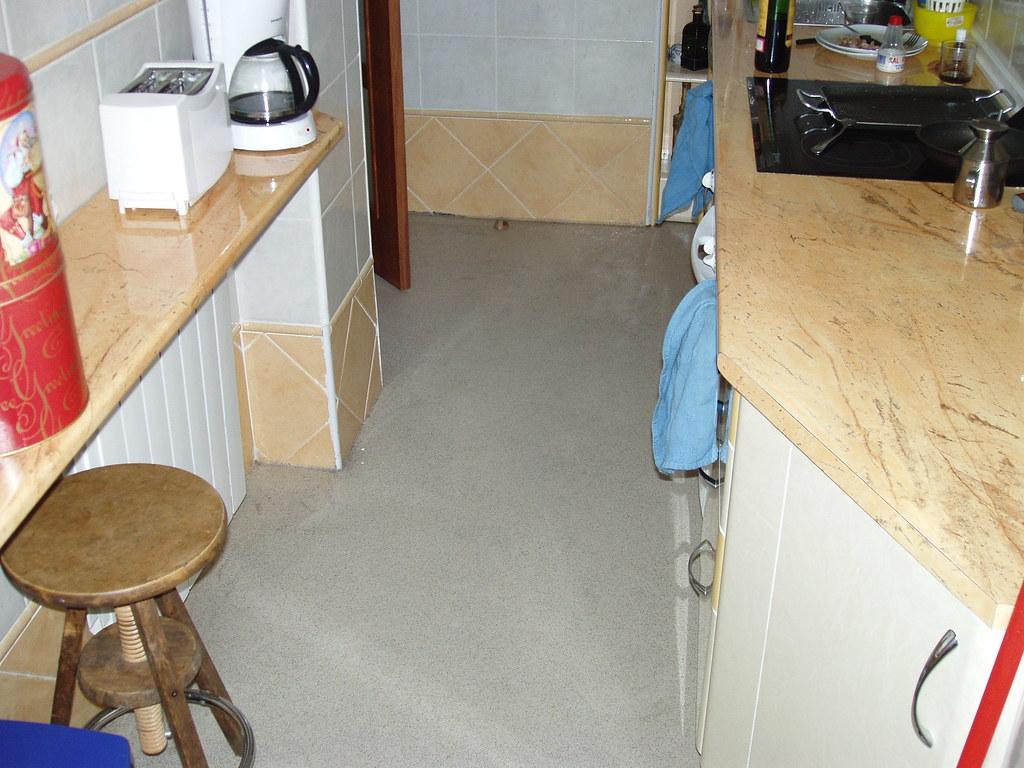 Colorite polimet pavimentos continuos para cocinas apto for Pavimentos para cocinas