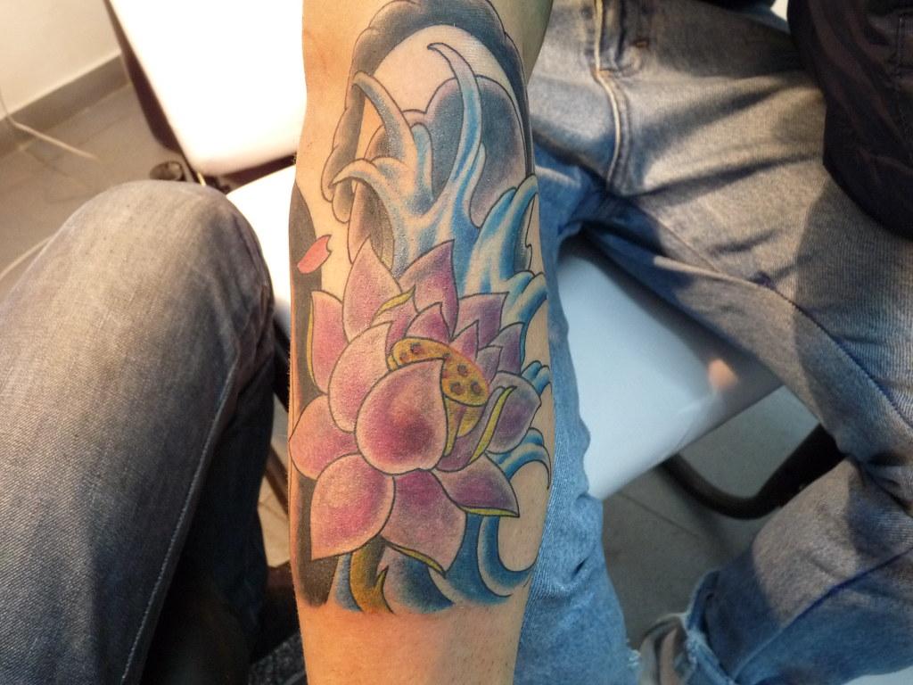 Flor De Loto Free Hand Tattoo Piercing Ropa Accesorios Flickr