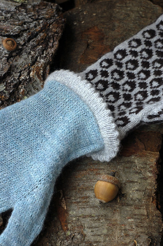 Squirrel Sampler Mittens Lining | by helloyarn