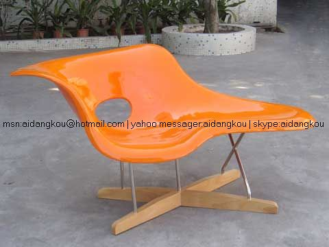 Eames style la chaise vitra la chaise lounge chair flickr for Chaise haute style eames