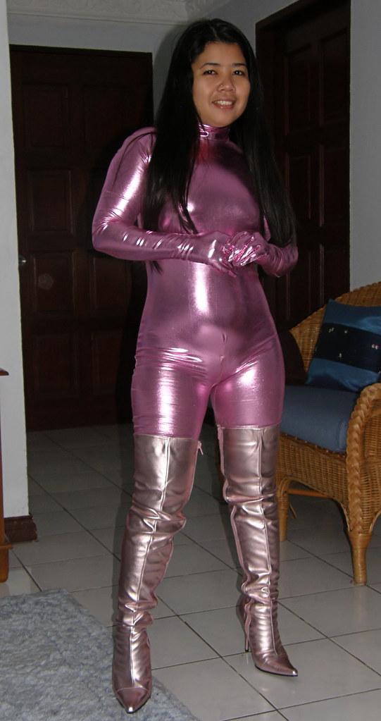 Shiny leggings and high heels 6