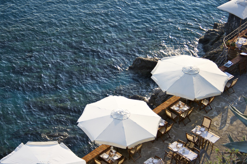 Restaurant on sea wall - Monterosso