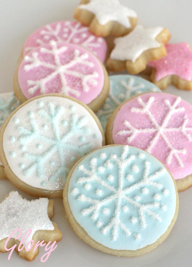 Round Snowflake Cookie... Round Birthday Sugar Cookies