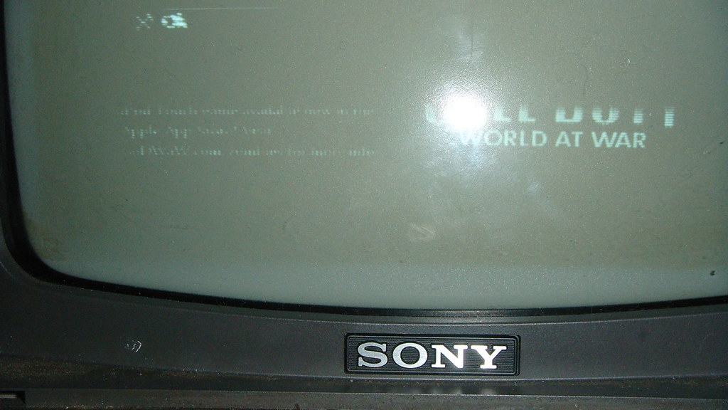 Sony Cathode Ray Tube Screen Burn In World At War Being Pl Flickr