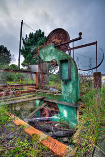 Saw Machine | by hfmsantos