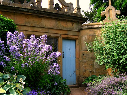 Summer Garden Scene at Hardwick Hall in Derbyshire | by UGArdener