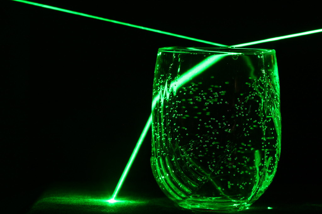 Laser Reflection Refraction Marcelo Flickr