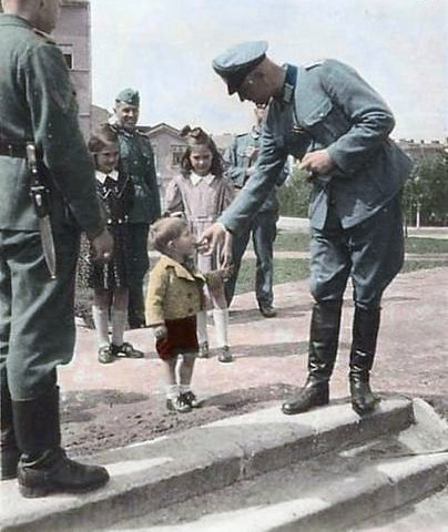 Wehrmacht officers with some kids | GLORY. The largest ...